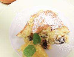 オレンジピールとラムレーズンのスフレチーズケーキ