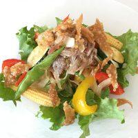 夏野菜と牛しゃぶしゃぶ肉のピリ辛サラダ