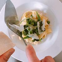 春野菜とフィットチーネの ポテトジェノヴェーゼソース⑤